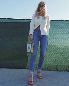 Finding the perfect-fitting jeans is easier said than done. We tapped an expert on how to measure your waist for jeans to make it a stress-free process. Pretty Outfits, Cool Outfits, Fashion Outfits, Fashion Trends, Women's Fashion, Feminine Fashion, Spring Fashion, Fashion Tips, Denim On Denim