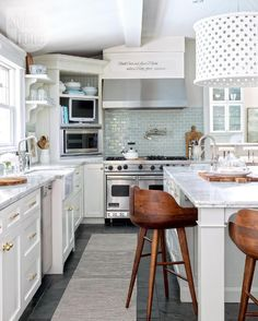 Love the corner area for microwave. Lw