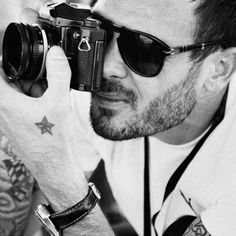 He is impossibly cool. Behind the scenes from the Volvo Ocean Race, Sean shooting in film of Puma's Mar Mostro Henri Cartier Bresson, Black White Photos, Black And White, I Got You Babe, Passion Photography, Photographs Of People, Gigi Hadid, Back To Black, Beautiful Tattoos