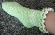 Ravelry: Juhannustanssi pattern by Merja Ojanperä Knitting Socks, Crochet, Ravelry, Villa, Pattern, Design, Tutorials, Socks, Zapatos