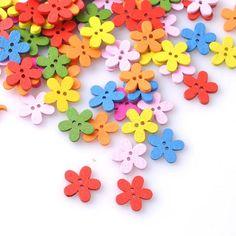 Купить товарОптовая продажа 100 шт. 14 x 15 мм многоцветный милый цветок натуральная декорация швейные скрапбукинг дерево кнопки MZ0006X в категории Пуговицына AliExpress.   20x19mm 100pcs Mixed Natural Star Wooden Beads With Smile For Jewelry Making Free Shipping PDB016USD 4.99/lot100PCs Wo