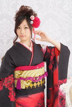 Japanese beauty ~~ For more:  - ✯ http://www.pinterest.com/PinFantasy/moda-~-elegancia-oriental-oriental-elegance/