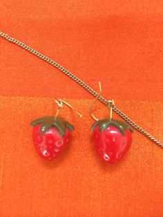 Strawberry earrings and chain. Second Hand Shop, Strawberry, Drop Earrings, Chain, Shopping, Jewelry, Jewlery, Jewerly, Necklaces