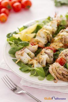 Spiedini di mare: secondo piatto o aperitivo sfizioso. Facile da preparare, puoi utilizzare tutte le tipologie di pesce. [Seafood kebabs]