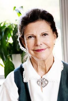 royalwatcher:  Queen Silvia in traditional dress, August 27, 2014