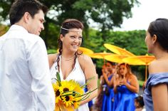 Destination Wedding in Costa Rica, Lovely ceremony, a little bit of rain blessings!  Wedding photographers Del Sol Photography