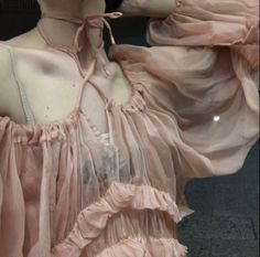 pale angel on We Heart It Oooo I think I'll wear pink tonight, love this Filles Alternatives, Persephone, Looks Cool, Dame, Girly, Fashion Looks, Style Inspiration, Boho, Beautiful