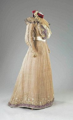 Summer Gown (image 2) | House of Worth | France; Paris | 1897 | silk organza, spangles | Kerry Taylor Auctions | June 8, 2010/Lot 37