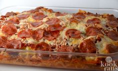 Hot And Ready Three Meat Pizza Casserole! - Page 2 of 2 - Recipe Roost Pizza Caserole, Meat Pizza, Pizza Dough, Recipe Roost, Confort Food, Carpaccio, Dinner Dishes, Main Dishes, Italian Dishes
