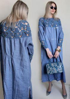 Купить или заказать Платье из льна 'Стелла' в интернет-магазине на Ярмарке Мастеров. Колокольчики в траве Голубыми глазками, Смотрят в небо и молчат, Все о том что что видели. Зарезервировано Платье из тонкого льна джинсового цвета и интересного хлопка стрейч из которого связан лиф и манжеты к платью. Платье на удивление идет всем и очень комфортно и в носке и к телу.