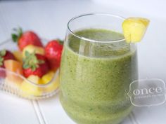 Packed with sweet fruit and nutritious spinach, this freezer recipe for Tropical Green Smoothies offers a refreshing start to your day! Healthy Blender Recipes, Yummy Smoothie Recipes, Breakfast Smoothie Recipes, Apple Recipes, Paleo Breakfast, Drink Recipes, Healthy Meals, Frozen Fruit Smoothie, Smoothie Drinks