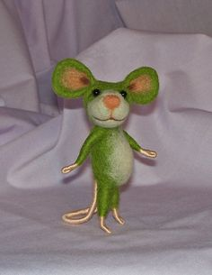 Needle Felted Green Mouse by hhayescreations >> adorable!