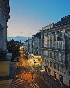 """Gefällt 1,104 Mal, 3 Kommentare - 1000thingsinVienna (@1000thingsinvienna) auf Instagram: """"Ab ins Hochsommerwochenende! 😍Was sind eure Pläne? 😊 We ❤️ Vienna #1000thingsinvienna #wien…"""""""