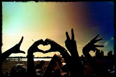 LOVE <3 <--- so trying this at the beachwith my friends ^_^