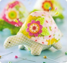 Alfineteiro Henrietta Turtle #sew #pincushion #tutorial #diy