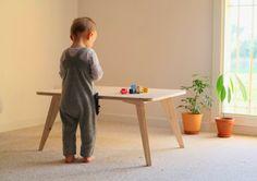 By Spielplatz table / Opomme Blog