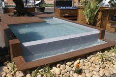 piscine débordement en bois