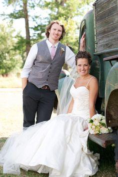 Rustic Farm Wedding Ideas   Heart Love Weddings   Chupp Photography