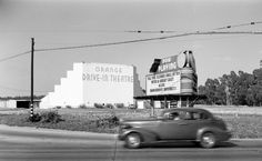 Drive Inn Movies, Drive In Movie Theater, Photos Originales, Outdoor Theater, In And Out Movie, Southern California, California History, Orange California, Plein Air