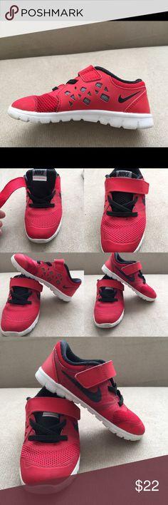 Nike running shoe, Boys toddler size 9. Nike free running shoe size 9. Great condition. Nike Shoes Athletic Shoes