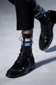 Raf Simons Fall 2016 Menswear Fashion Show (Love these boots)