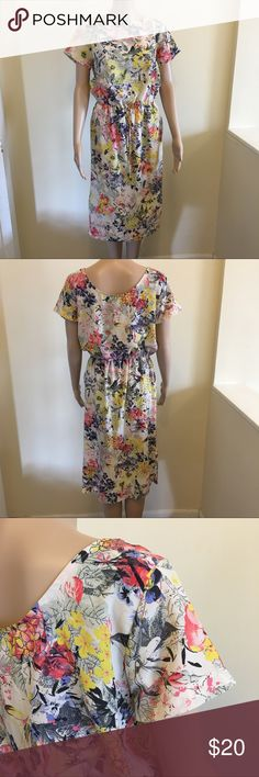 Papaya Weekend Midi Boat Neck Spring Floral Sz 10 Brand: Papaya Weekend  Color: Multi  Condition: pre-owned no flaws  Pattern: Floral  Country of Manufacture:Turkey  Material: Polyester Papaya Weekend Dresses Midi