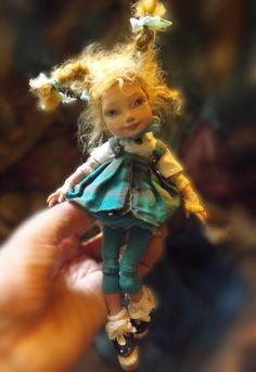 Cute little art doll Dollhouse Dolls, Miniature Dolls, Tilda Toy, Polymer Clay Dolls, Paperclay, Little Doll, Fairy Dolls, Doll Crafts, Ooak Dolls