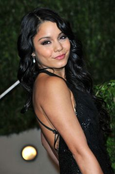 Beautiful Brunette Vanessa Hudgens Looking Gorgeous And Stunning Hot In Black Gown Checkout The Hot Pictures Of Vanessa Hudgens