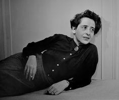 * Hanna Harendt 1944 photo Fred Stein