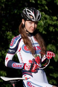 lacletaoficial: hotgirlsnbikes: Ekaterina Kobozeva Hasta...