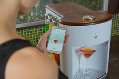 This is Somabar, a Wi-Fi connected robot bartender that cranks out craft cocktails in under 5 seconds. Yes, this is real life. The Kickstarter project has Cocktail Machine, Cocktail Maker, Cool Kitchen Gadgets, Cool Gadgets, Cool Kitchens, Tech Gadgets, Kitchen Stuff, Smart Kitchen, Kitchen Inventions