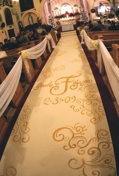 LOVE this monogrammed aisle runner