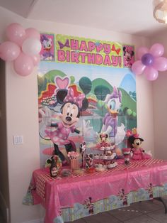 Amazoncom Minnie Mouse Birthday Decorations Party Pack Toys