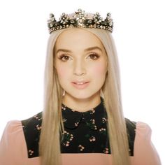 screenshot from poppy's new youtube red show ❤️ Im Poppy, That Poppy, Youtube Red, Gorillaz, Celebs, Celebrities, Girl Crushes, Poppies, Hollywood