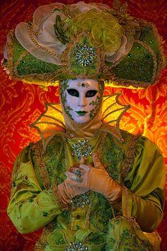 Carnival in Venice, Italy © Jim Zuckerman Venetian Carnival Masks, Carnival Of Venice, Venetian Masquerade, Masquerade Party, Masquerade Masks, Venice Carnivale, Venice Mask, Mardi Gras Costumes, Carnival Costumes