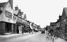 The Alexandra Inn (far left), Queen Street, Horsham, 1924.