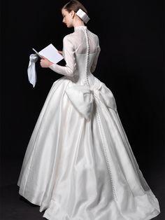 Ball Gown Wedding Dresses For Bride : エリ松居ウエディングドレスサロン グレースケリードレス Conservative Wedding Dress, Wedding Bride, Wedding Gowns, Beautiful White Dresses, Dress Vestidos, Kimono Dress, Vintage Bridal, Trendy Dresses, Bridal Dresses