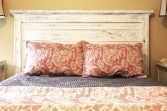 reclaimed wood headboard... with the boards fpostelrom our old fence =)