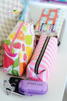 Purse Organization Tips and Challenge — A mini organizing challenge that takes only a few minutes, but can have a huge impact on your day! Purse Organization, School Organization, My Bags, Purses And Bags, What In My Bag, Ideias Diy, Organize Your Life, Konmari, Filofax