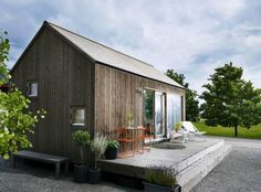 Wood Architecture Attefallshus - so smart you can decorate! Modern Tiny House, Tiny House Design, Wood Architecture, Residential Architecture, Weekend House, Wooden House, Little Houses, Cabana, Exterior Design