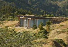 nature house -  opgaand in de omgeving. Veel licht. Natuurlijke materialen. Energiezuinig.