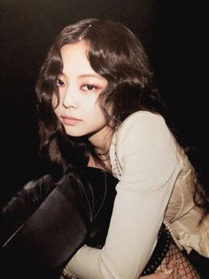 Your source of news on YG's current biggest girl group, BLACKPINK! Please do not edit or remove the logo of any fantakens posted here. Blackpink Jennie, South Korean Girls, Korean Girl Groups, Divas, Rapper, Black Pink, Blackpink Photos, Kim Jisoo, Yg Entertainment