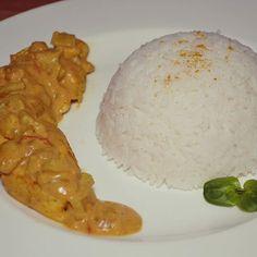 Ce soir notre pote s'est pris pour un chef avec son poulet curry-coco ! On adore <3  #instafood #etudiants #miam #curry #onafaim #recettefacile