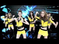 少女時代 / MR.TAXI (DANCE VER.)- ★3rdシングル『MR.TAXI / Run Devil Run』2011.04.27 RELEASE  「GENIE」「Gee」に続く待望の3rdシングルリリース!  新曲「MR.TAXI」は、韓国でのヒット曲の日本語版ではない初の日本オリジナル楽曲。一方の「Run Devil Run」(日本語バージョン)は今年1月に配信限定でリリースされ「着うた®」ランキング1位を獲得した人気曲。初回限定盤・期間限定盤DVDには「Run Devil Run」日本語版の新撮Music Clipが収録!