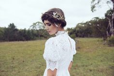 Tress and flowers for vintage wedding