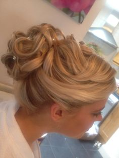 Wedding hair up style curls updo curly bun blonde textured loose