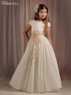 Fashion Outfits For Toddlers Info: 5942638250 Wedding Dresses For Girls, Wedding Bridesmaid Dresses, Little Girl Dresses, Girls Dresses, Flower Girl Dresses, First Communion Dresses, Baptism Dress, Mother Daughter Fashion, Sewing Kids Clothes