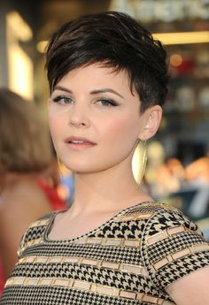 Ginnifer Goodwin is quickly surpassing Michelle Williams as my hairspiration. Don't get me wrong; I love Williams' style and think she knows how to rock the pixie. Goodwin's cuts, though, are bold and daring, and I love her hair for its attitude. Only a bold, confident  woman can pull this off.