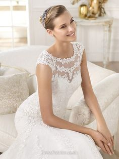 Latest Trumpet/Mermaid Scoop Neck Lace Appliques Lace Ivory Wedding Dresses in UK