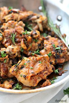 Garlic Sauce Chicken by diethood #Chicken #Garlic
